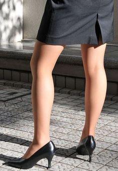 Tan Pantyhose, Sexy Legs And Heels, Office Ladies, Asian Fashion, Stockings, Lady, Hosiery, Beauty, Women