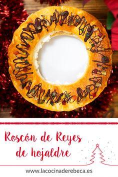 Si buscas una alternativa sencilla para celebrar el día de Reyes, este roscón exprés hecho con dos láminas de hojaldre es perfecto. En menos de 30 minutos tendrás tu roscón de Reyes listo. Puedes decorarlo como quieras, la fruta escarchada lo asemeja a un auéntico roscón.