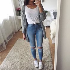 Cardigan: @dishee_fashion | Jeans: @ootdfash