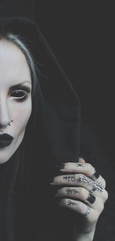 halloween gothic demon queen costume and make up inspiration