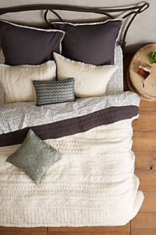 $328 || cozy, comfy, and snugly || queen size