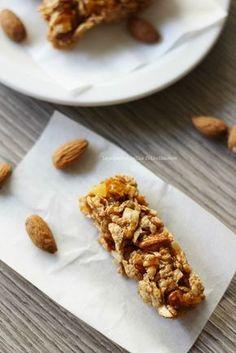 Barrette ai cereali, mandorle e arancia: vegan, gluten free, home made!