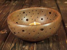 bougeoir en bois Serving Bowls, Decorative Bowls, Tableware, Kitchen, Home Decor, Decorative Objects, Dinnerware, Cooking, Decoration Home