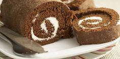Paula Deen shares her recipe for pumpkin roll cake. Chocolate Swiss Roll, Chocolate Roll Cake, Paula Deen, Pumpkin Roll Cake, Victoria Sponge Cake, Sponge Cake Recipes, Diabetic Recipes, No Bake Cake, Sweet Treats