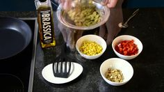 Verstegen - mix voor vegetarische Kikkererwten burger. Een gezonde alternatief voor 2015! geniet van een veggie burger in plaats van een vette snack. Wij denken mee, eetsmakelijk. #veggie #easy #bewust #snack #Verstegen