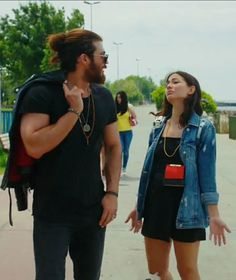 Yaman and Özdemir in Early Bird Casual Summer Outfits For Women, Casual Outfits, Cute Outfits, Turkish Fashion, Turkish Beauty, Fashion Tv, Fashion Outfits, Womens Fashion, Fasion