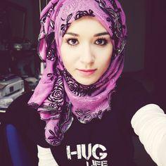 Nabiila bee Aditi Bhatia, Beautiful Hijab, Hijabs, The Girl Who, Head Wraps, Shawl, Scarves, Celebrities, Bee