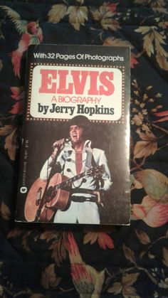 Check out this item in my Etsy shop https://www.etsy.com/ca/listing/526496855/paperback-elvis-presley-biography-by