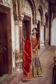 Buy Wedding Designer Outfits And Suits in Cheapest Prices with Standard Quality. Call/ WhatsApp us 77164 Pakistani Wedding Outfits, Pakistani Wedding Dresses, Bridal Outfits, Indian Dresses, Indian Outfits, Pakistani Couture, Desi Clothes, Mode Hijab, Indian Designer Wear