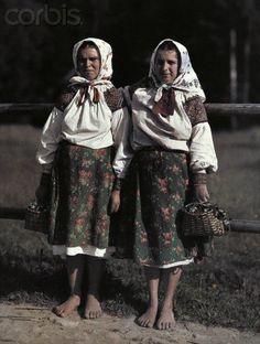 Німецький фотограф Ганс Гілденбранд прославився своїми кольоровими знімками протягом Першої світової війни. У період між світовими війнами він працював для National Geographic. Зокрема, у 1927 р. він відвідав Чехословацьку республіку, а в його об'єктив потрапили й мешканці Закарпаття.