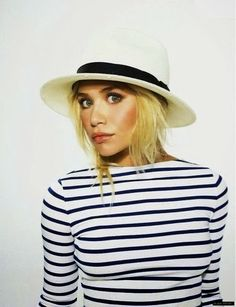 How to Chic: OLSEN STYLE: STRIPED TEE