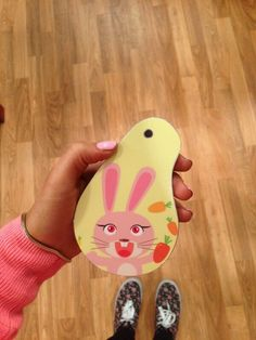 cat's phone case in sam and cat Victorious Cat, Victorious Nickelodeon, Cat Valentine Victorious, Ariana Grande Cat, Ariana Grande Photos, Cat Valentine Outfits, Sam And Cat, Jessie J, Old Shows