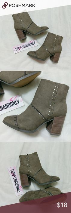 (9 runs small) NWOT Report Suede Booties Boots Size 9 but runs small. Fit size 7.5/8 better NEW WITHOUT TAGS NEVER WORN NO BOX  Under sole is dirty due to store display Report Shoes Ankle Boots & Booties