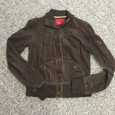 Missimo courderoy jacket Mossimo courderoy jacket. Brown. Gently used. In good condition. Some peeling on wrist cuffs and waist band but could easily be shaved off. Clean smoke free home Mossimo Supply Co Jackets & Coats