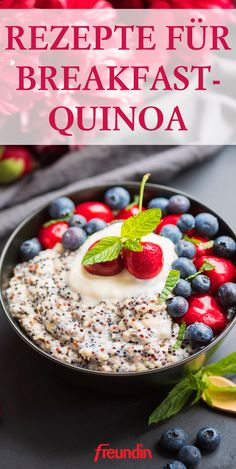 Breakfast Quinoa: Recipe for a high protein breakfast freundin.de - Quinoa has long been established on the diet of all nutrition-conscious people, but can do much mor - Low Carb Chicken Recipes, Gourmet Recipes, Mexican Food Recipes, Low Carb Recipes, Healthy Recipes, Avocado Recipes, Breakfast Desayunos, High Protein Breakfast, Breakfast Recipes
