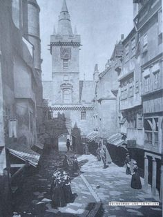 The Netherbow Port was a large gatehouse between the High Street and the Canongate. This tho wis a reconstruction o auld buildins inside the Great Edinburgh Exhibition oan the Meadows...