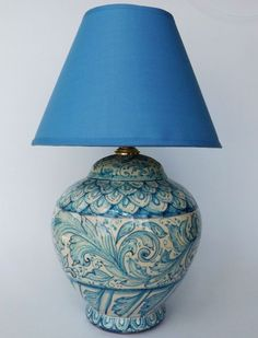 """Lamp """"Azul Line"""". Base for Lamp garnished in light blue and blue, with a floral Drawning and """"Peacok tail"""". The Lampshade and the electric-structure are included."""