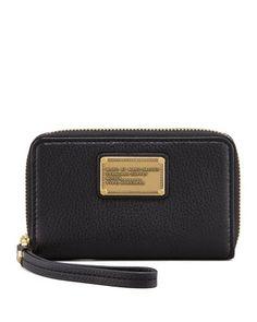 494583047b Classic Q Wingman Wristlet Zip Wallet