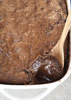Southern Chocolate Cobbler Recipe - Chocolate Cobbler is a classic Southern dessert recipe. With a delicious brownie-like topping and a rich fudge sauce on the bottom, this Chocolate Cobbler is like a lava cake but so much easier to make. Great for reunio Potluck Desserts, Easy Desserts, Delicious Desserts, Chocolate Cobbler, Chocolate Recipes, Chocolate Chocolate, Delicious Chocolate, Thanksgiving Chocolate Desserts, Sweets