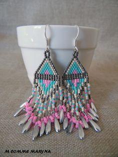 Boucles d'oreilles perles Miyuki tissée main Bohostyle Bohemian Bohochic indien Huichol Argenté, beige, turquoise et rose : Boucles d'oreille par m-comme-maryna