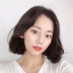 Asian Short Hair, Girl Short Hair, Short Hairstyles For Women, Cute Hairstyles, Hair Inspo, Hair Inspiration, Aloe Vera Gel For Hair Growth, Medium Hair Styles, Short Hair Styles