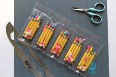 Make custom pockets with the We R Memory Keepers Fuse tool