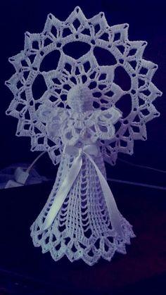 Best 12 Ela Klementowicz's 860 media content and analytics – AmigurumiHouse Christmas Angel Ornaments, Crochet Christmas Decorations, Crochet Decoration, Crochet Ornaments, Holiday Crochet, Crochet Snowflakes, Christmas Crafts, Crochet Angel Pattern, Vintage Crochet Patterns