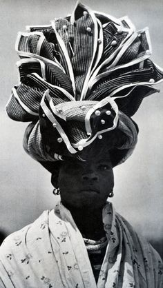 Xhosa traditional headwrap from the Eastern Cape, South Africa. Published in the book African Elegance by Alice Mertens and Joan Broster African Beauty, African Women, African Fashion, African Hair, African Style, Turbans, African Head Wraps, Tribal People, Out Of Africa