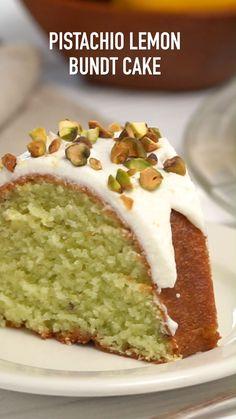 Pistachio Recipes, Pistachio Cake, Pistachio Pudding Desserts, Pistachio Cheesecake, Food Cakes, Cupcake Cakes, Cupcakes, Lemon Bundt Cake, Bundt Cake Mix Recipe