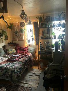 Room Design Bedroom, Room Ideas Bedroom, Bedroom Decor, Bedroom Inspo, Chill Room, Cozy Room, Grunge Room, Indie Room, Pretty Room