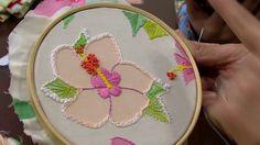 Mulher.com - 30/05/2016 - Bordado sobre tecido floral - Cris Torchia PT2