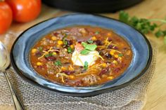 Healthy taco soup is a quick and easy weeknight dinner. This Instant Pot spicy taco soup could not be more delicious. The whole family will love it.they'll have no clue that it's totally Weight Watchers friendly! Healthy Taco Soup, Healthy Taco Recipes, Easy Taco Soup, Healthy Tacos, Beef Recipes, Soup Recipes, Healthy Banana Pudding, Taco Soup Ingredients, Weight Watcher Taco Soup
