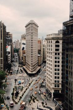 Another view of the flatiron building in growing New York