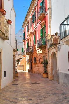 Alleyway in Locorotondo - Puglia. Italy.