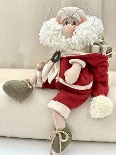 1 Million+ Stunning Free Images To Use A - Diy Crafts Elf Christmas Decorations, Felt Christmas Ornaments, Christmas Gnome, Christmas Door, Christmas Hearts, All Things Christmas, Diy And Crafts Sewing, Diy Crafts, Egg Carton Crafts