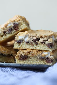 These Mud Hen Bars are a Gooey Chocolate Chip Marshmallow bar topped with Brown Sugar Meringue! So good!!
