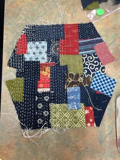 Boro Zippi purse: half-completed sashiko stitching; BeBeBold.