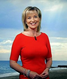 Every day's a nice day when Carol stands there offering a fine view of. Carol Kirkwood, Sexy Older Women, Old Women, Sexy Women, Nylons, Female Celebrity Crush, Female News Anchors, Carol Vorderman, Beautiful Old Woman