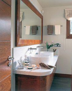 LOS MEJORES BAÑOS | MICASA Revista de decoración Vanity, Mirror, Bathroom, Furniture, Home Decor, Toilets, Home, Vanity Area, Bath Room