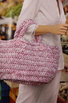 Bolso de trapillo en crochet.