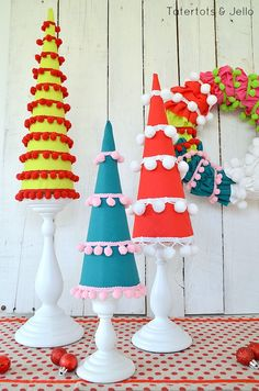 DIY pom pom holiday trees and wreath Handmade Christmas Tree, Diy Christmas Ornaments, Whimsical Christmas, Modern Christmas, Holiday Tree, Xmas Tree, Vintage Christmas, Xmas Crafts, Christmas Projects