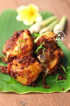Nasi Lemak Lover: Ayam Goreng Berempah (Malay Spiced Fried Chicken) 马来炸鸡