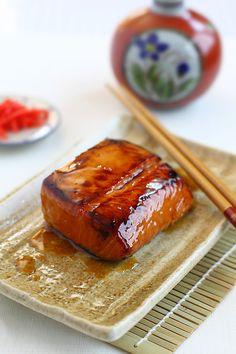 Easy salmon teriyaki recipe using homemade teriyaki sauce. This salmon teriyaki is delicious and authentic | rasamalaysia.com