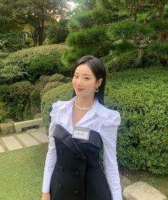 Wallpapers Kpop, Korean Girl, Asian Girl, April Kpop, Teen Girl Photography, Cool Face, Uzzlang Girl, Pretty Asian, Korean Street Fashion
