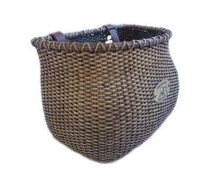 Favorite basket.  Too bad there's no handle. :(