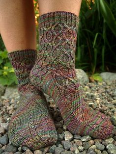 Slipstream socks by Stephanie McIntosh, knitted by stolensandwiches Knitting Stitches, Knitting Socks, Hand Knitting, Knitting Patterns, Knitting Ideas, Wool Socks, My Socks, Crochet Socks, Knit Or Crochet