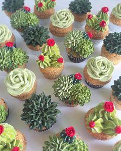 Savory magic cake with roasted peppers and tandoori - Clean Eating Snacks Mini Cakes, Cupcake Cakes, Succulent Cupcakes, Buckwheat Cake, Cactus Cake, Zucchini Cake, Salty Cake, Savoury Cake, Cute Cakes
