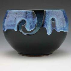 Beautiful Yarn Bowl from Stitch Diva Studios - Starry Night Ceramic Pottery, Ceramic Art, Porcelain Ceramics, Porcelain Jewelry, Crochet Yarn, Knitting Yarn, Keramik Vase, Pottery Designs, Pottery Ideas