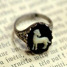 Vintage Zodiac Cameo Ring - Aries