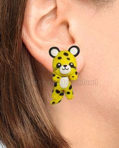 Yellow Leopard Clinging Earrings
